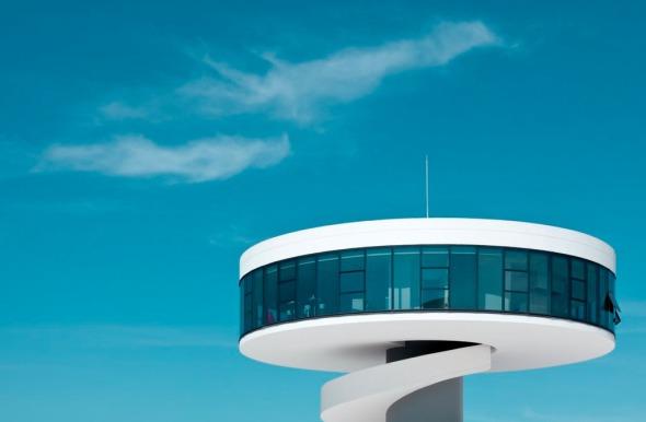 La obra con que Oscar Niemeyer celebró 103 años de edad