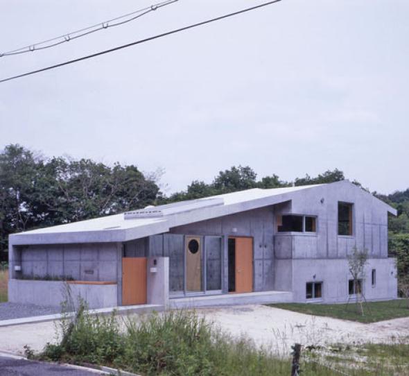 Casa de concreto / Thomas Daniell Studio