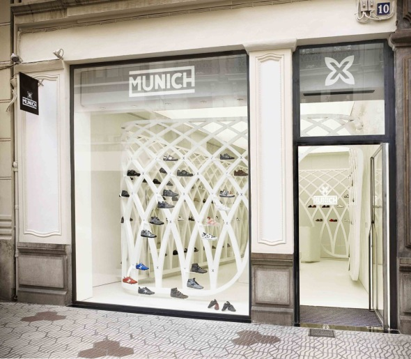 Munich Zapatería / Dear Diseño