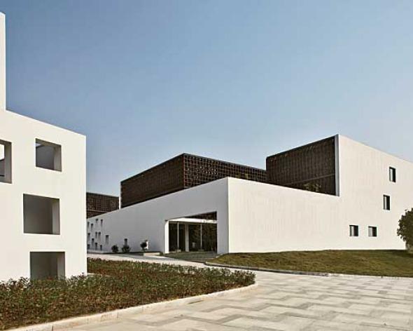 Parcela 6 Base Jishan / Deshaus Atelier