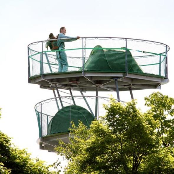 Original estructura para acampar en medio de la ciudad