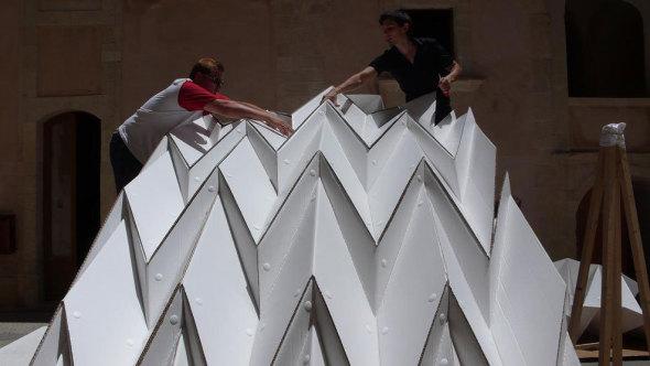 Construir con cartón corrugado: Cardboard pavillion