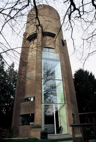 Edificios reciclados: De tanque elevado a edificio de nueve pisos