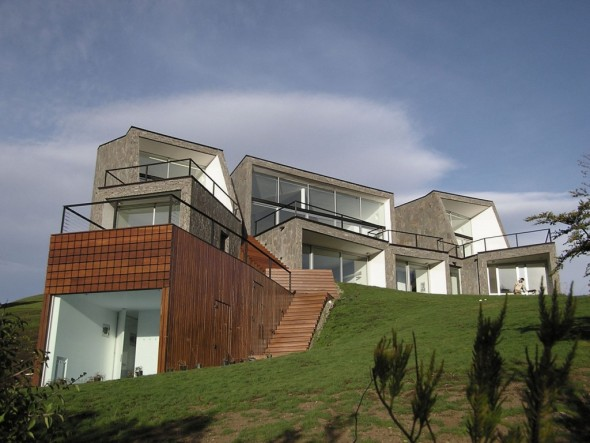 Casa S, una estructura que mimetiza el entorno