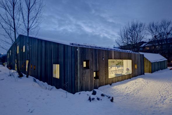 Fagerborg Kindergarten, una lúdica y flexible estructura de madera