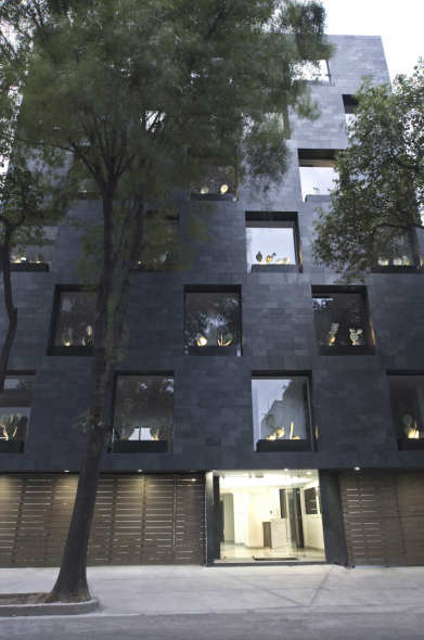 Edificio Reciclado / Alonso de Garay