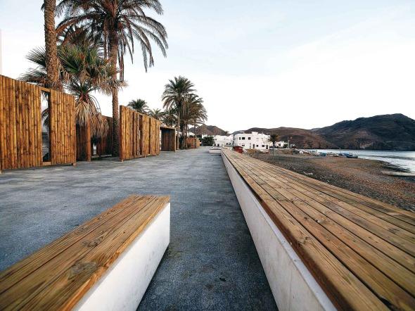 Comportamiento amable hacia lo colectivo: Frente Marítimo de Las Negras, Almería, España