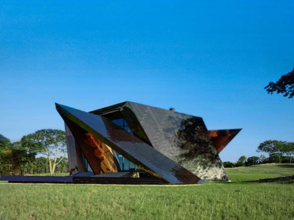 Agresiva y relajante a la vez: Casa 18.36.54 de Daniel Libeskind
