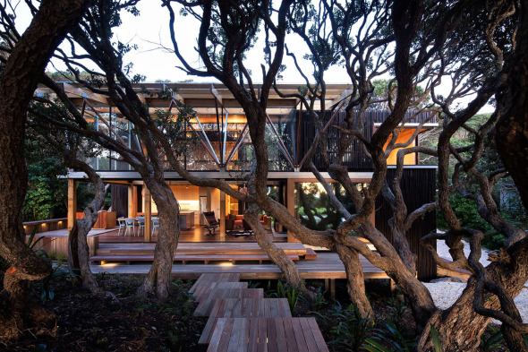 Una Casa en medio del bosque / Herbstarchitecst