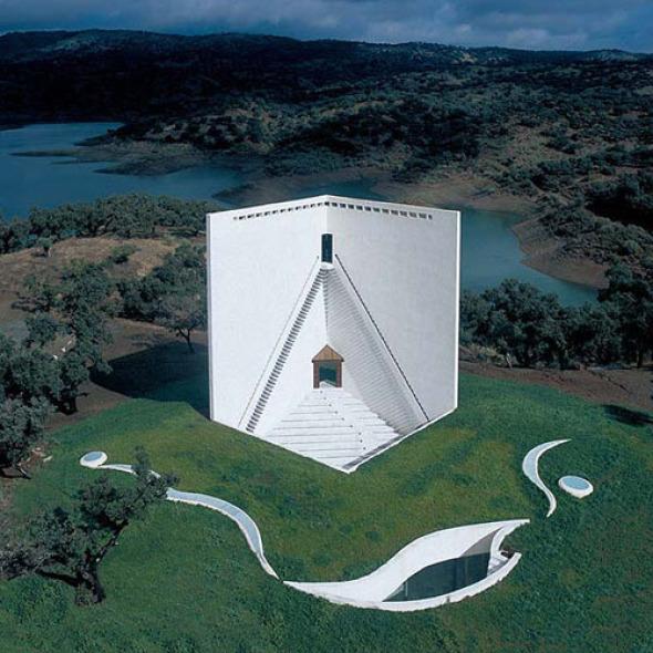 Un clásico de la arquitectura contemporánea: Casa de Retiro espiritual de Emilio Ambasz