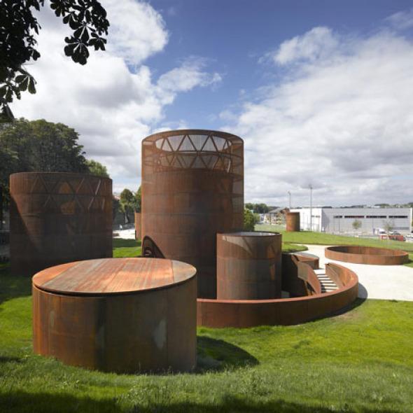 Imponentes fachadas de Acero: Museo Interactivo de la Historia de Lugo / Nieto Sobejano
