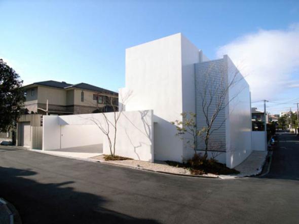 La Pulcritud del Blanco, Casa en Senri, Osaka / Akira Sakamoto