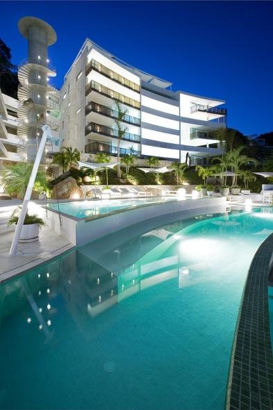 EOS Acapulco, un edificio que enaltece la fuerza del viento / Dpgarquitectos
