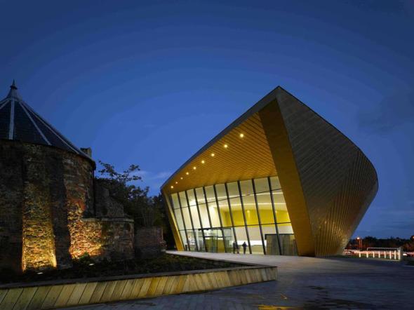 Firstsite, Centro Contemporáneo de Artes Visuales en Inglaterra. Rafael Viñoly.