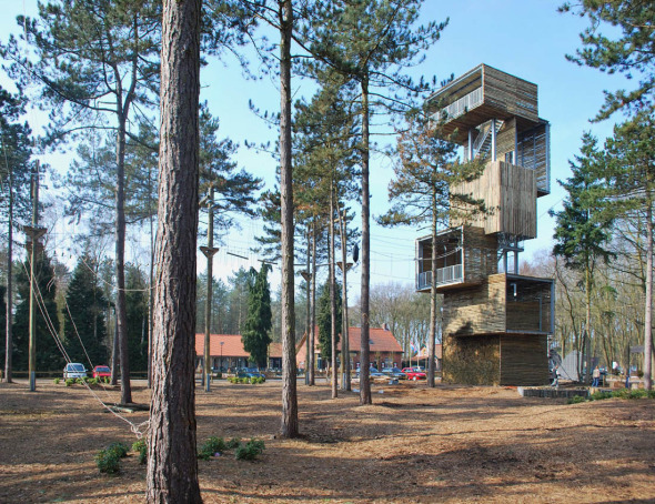 Viewing Tower, una Torre-mirador inspirada en las casitas del árbol / Ateliereen architecten