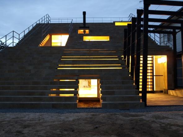 La Casa-escalera / Y+Mdo Arquitectos