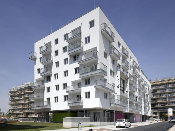 Vivienda para jóvenes / SYNN architekten