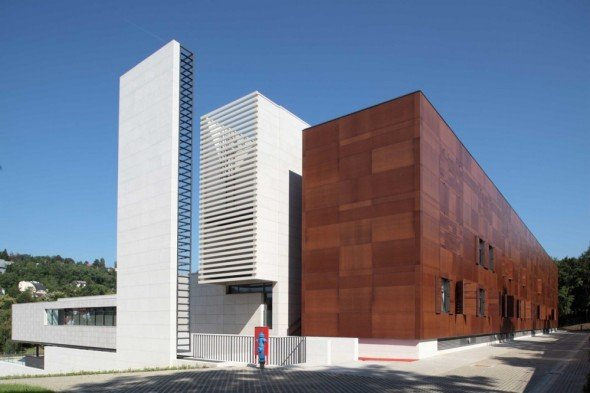 Edificio de conferencias alfil facultad de arquitectura for Facultad de arquitectura