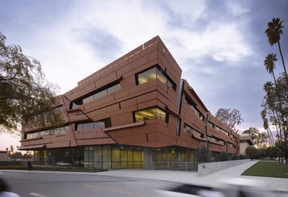Centro de Astronomía y Astrofísica del Instituto de Tecnología / Morphosis