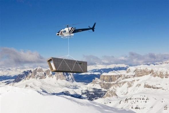 Refugio temporal ecológico para la montaña realizado por Cimini Architettura