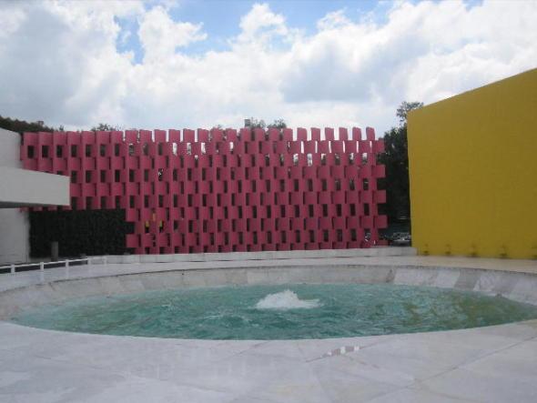 Un ícono de la arquitectura mexicana, el Hotel Camino Real de Ricardo Legorreta Vilchis