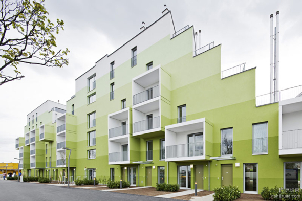 Herzberg Public Housing realizado por AllesWirdGut Architektur + feld72