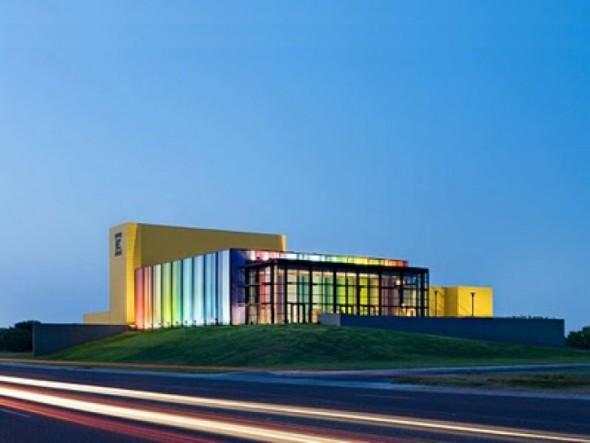 Edcouch-Elsa ISD Fine Arts Center realizado por Kell Muñoz