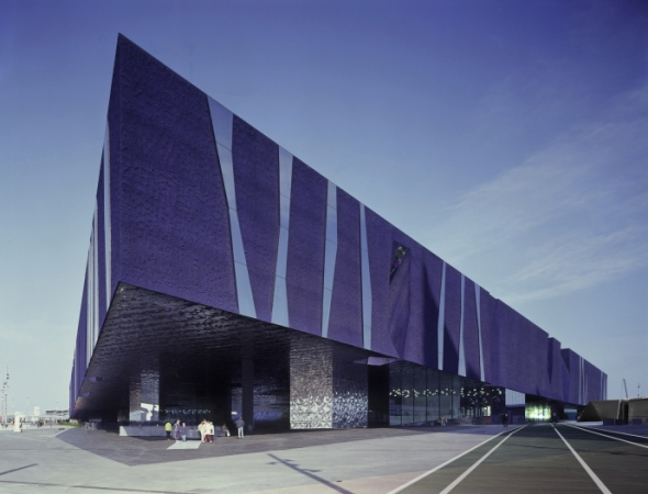 Museo Azul, un espacio para las ciencias naturales / Herzog and De Meuron