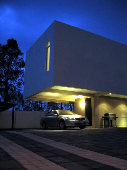 Casa suspendida en el aire casa flat issa noticias de for Arquitectos de la arquitectura moderna