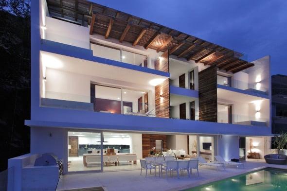 El lugar perfecto para contemplar la belleza del mar. Casa Almare / Elías Rizo