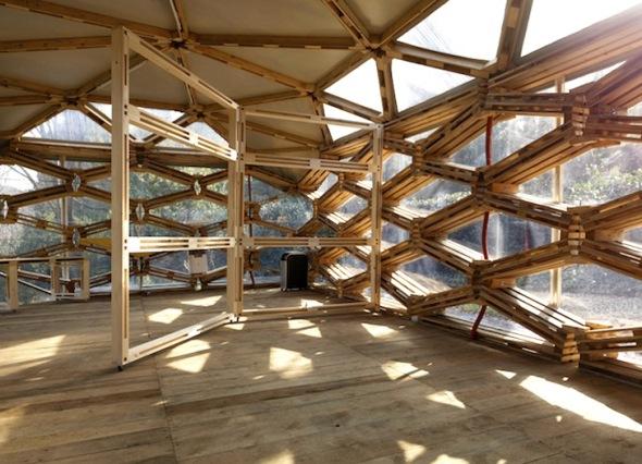 Pabellón construido con palets reciclados / Avatar Architettura
