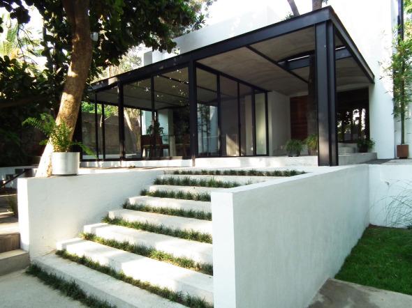 Casa con siete patios ars atelier de arquitecturas - Casas con estructura metalica ...