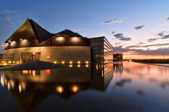 Centro de Artes de Tempe realizado por Architekton