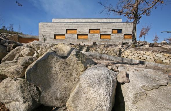 Una arquitectura mimética: Casa Ladeira. Oficina d'Arquitectura