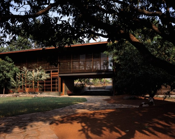 Casa Belavali / Studio Mumbai