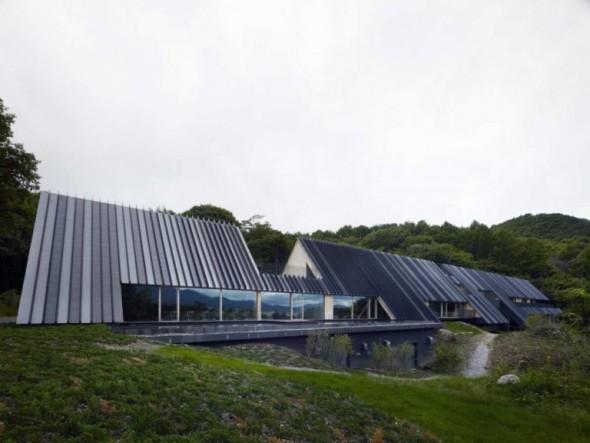 Una estructura que embellece el paisaje boscoso: Centro Momofuku. Kengo Kuma and Associates