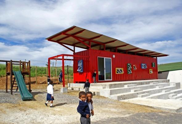 Escuela primaria en África, cuyo diseño fue guiado por los propios niños