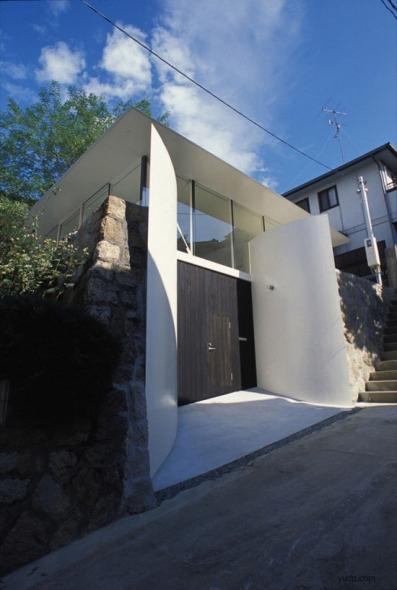 Casa Trébol / Katsuhiro Miyamoto and Associates