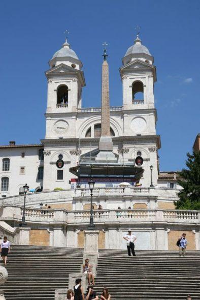 Iconos Urbanos: La Plaza de España y la Escalinata de la Trinidad del Monte