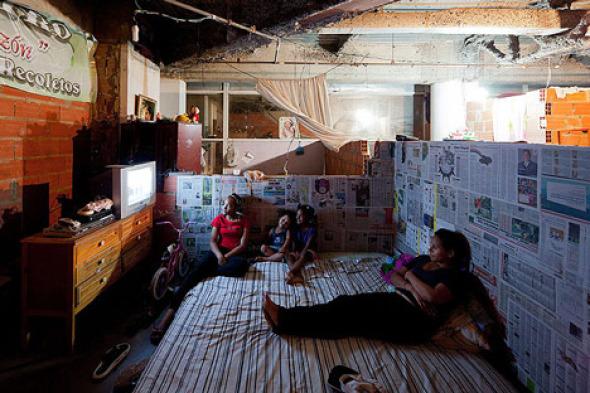 ¿Por qué los pobres viven en barrios marginales si hay oficinas vacías en la ciudad?