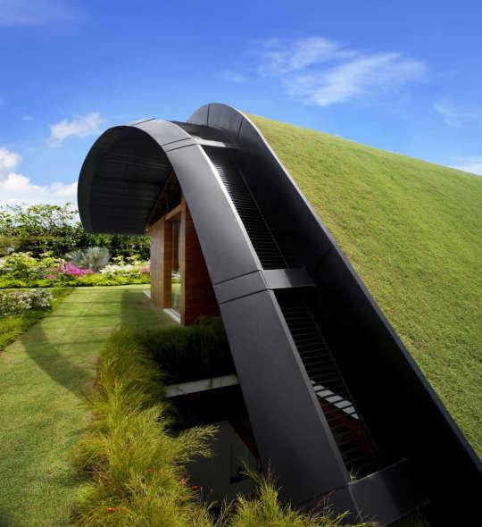Home Design Ecological Ideas: Sky Garden House, Una Casa Cubierta Por Un Jardín / Guz