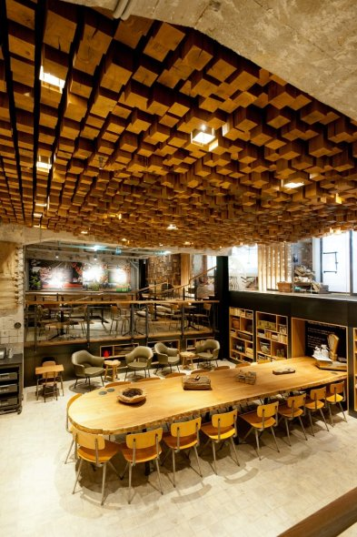 12 Spaces Inspired By India: Starbucks En Amsterdam, Diseñado Con Muebles Y Materiales