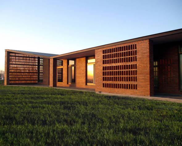 Una casa de campo muy contempor nea marsino arquitectos for Casa de campo arquitectura