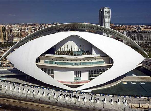 el edificio diseado por santiago calatrava cuyo coste final roz los millones de euros se recubri con trencads en una fase posterior con el
