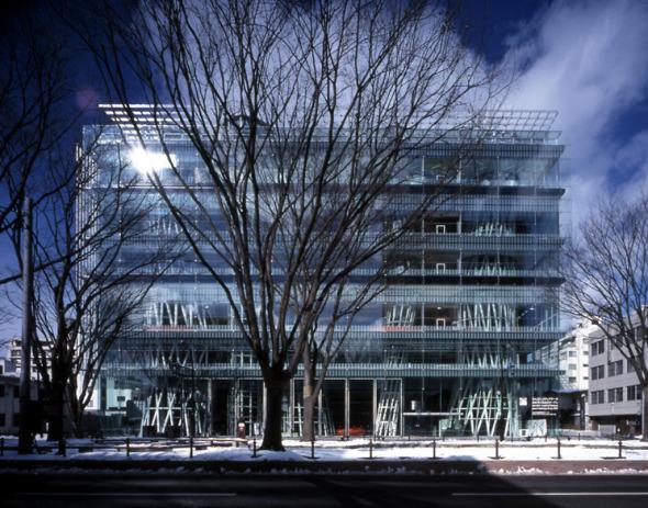 Los arquitectos han hecho arquitectura demasiado compleja. Tenemos que simplificar y utilizar un lenguaje que todos puedan entender. Toyo Ito