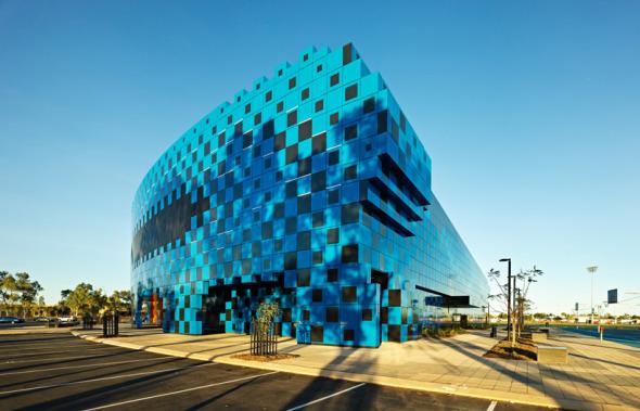 El estadio formado por pequeños cubos