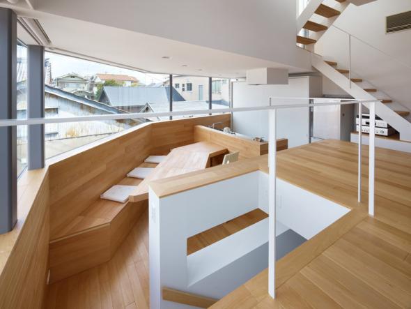 Casa de desniveles en matsubara noticias de arquitectura for Sala de estar segundo piso