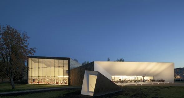 Ampliación de la biblioteca diseñada por Alvar Aalto