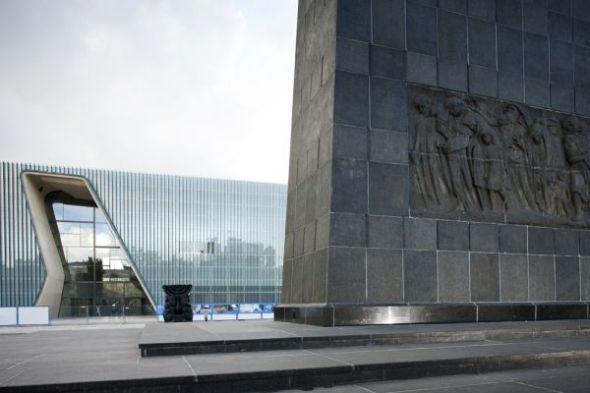 El Museo de la Historia de los Judíos de Polonia por Rainer Mahlamäki