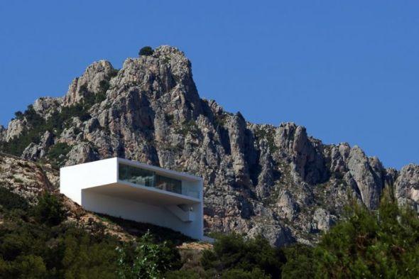 Fran Silvestre Arquitectos galardonados por casa del acantilado